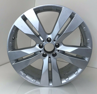 Picture of Used Set Of GL350 20 Inch Rims